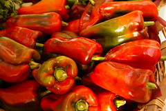 paprika(0.0), plant(0.0), italian sweet pepper(0.0), malagueta pepper(0.0), cayenne pepper(1.0), chili pepper(1.0), bell pepper(1.0), vegetable(1.0), serrano pepper(1.0), tabasco pepper(1.0), peppers(1.0), bell peppers and chili peppers(1.0), bird's eye chili(1.0), peperoncini(1.0), produce(1.0), food(1.0), pimiento(1.0), jalapeã±o(1.0), habanero chili(1.0),