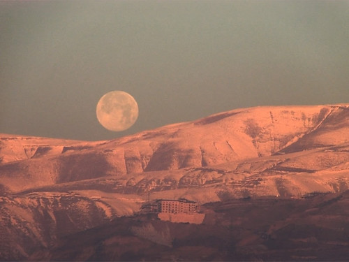 red moon mountain snow color sunrise iran archive cast tehran