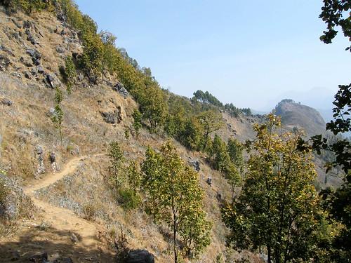nepal mountains trekking track himalayas bandipur theindiatree