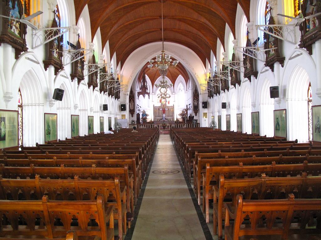 Inside San Thome Basilica