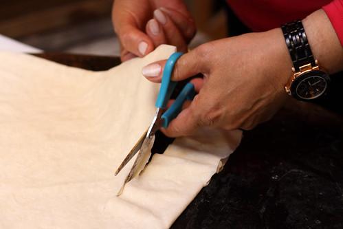 Cutting phyllo dough