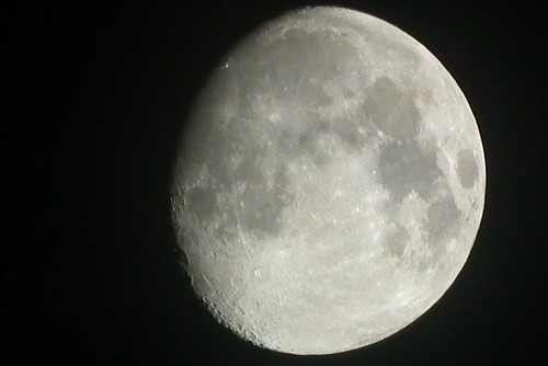 Moon on 18 Nov 2010