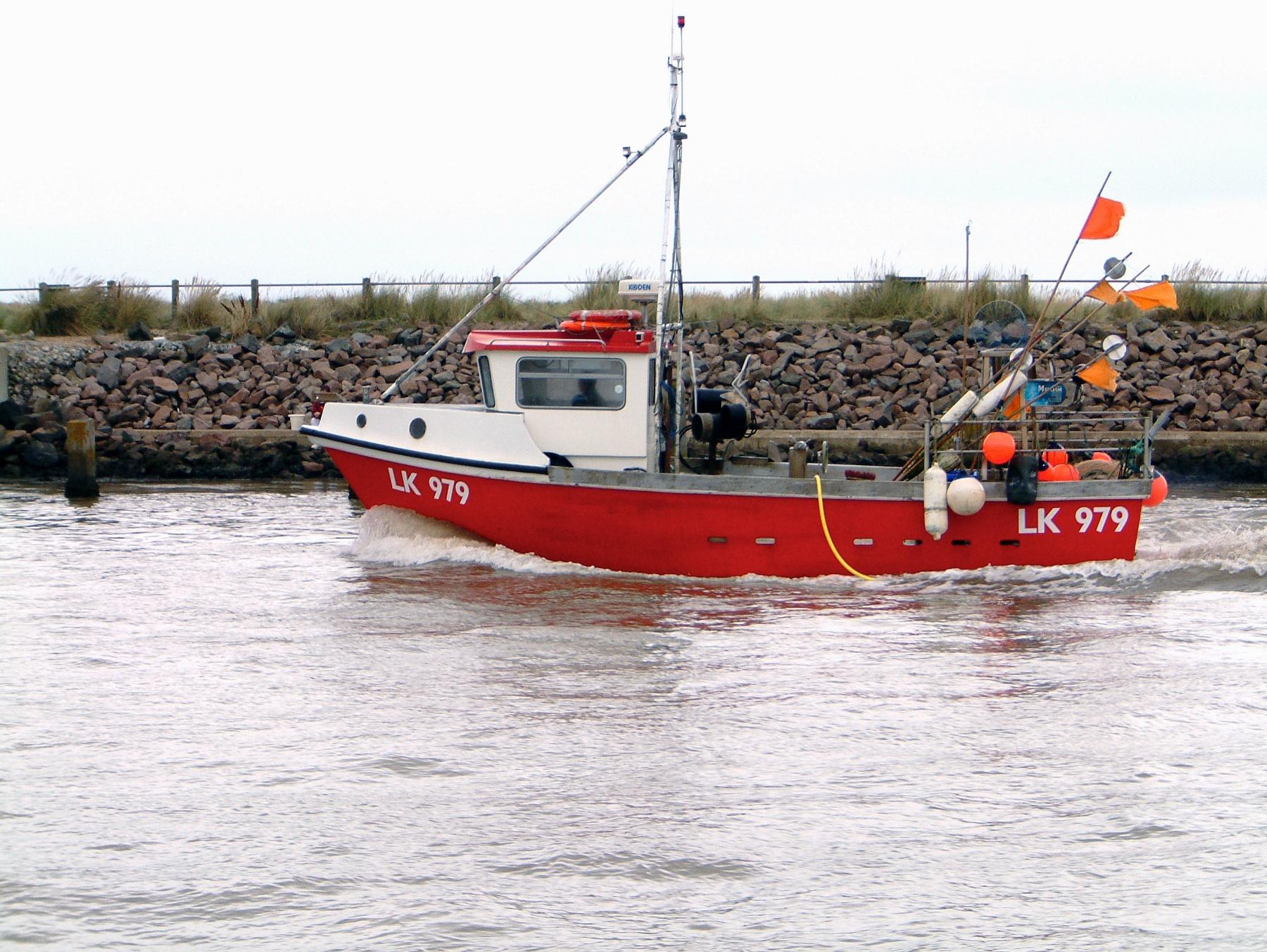 Walberswick Crabbing 21-8-2005 Fishing Boat