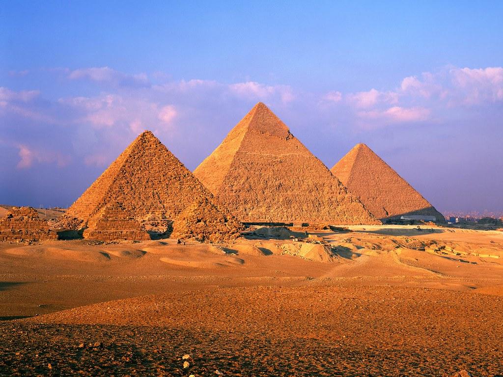 死ぬまでに一度は行きたい世界の絶景:ギザの大ピラミッド