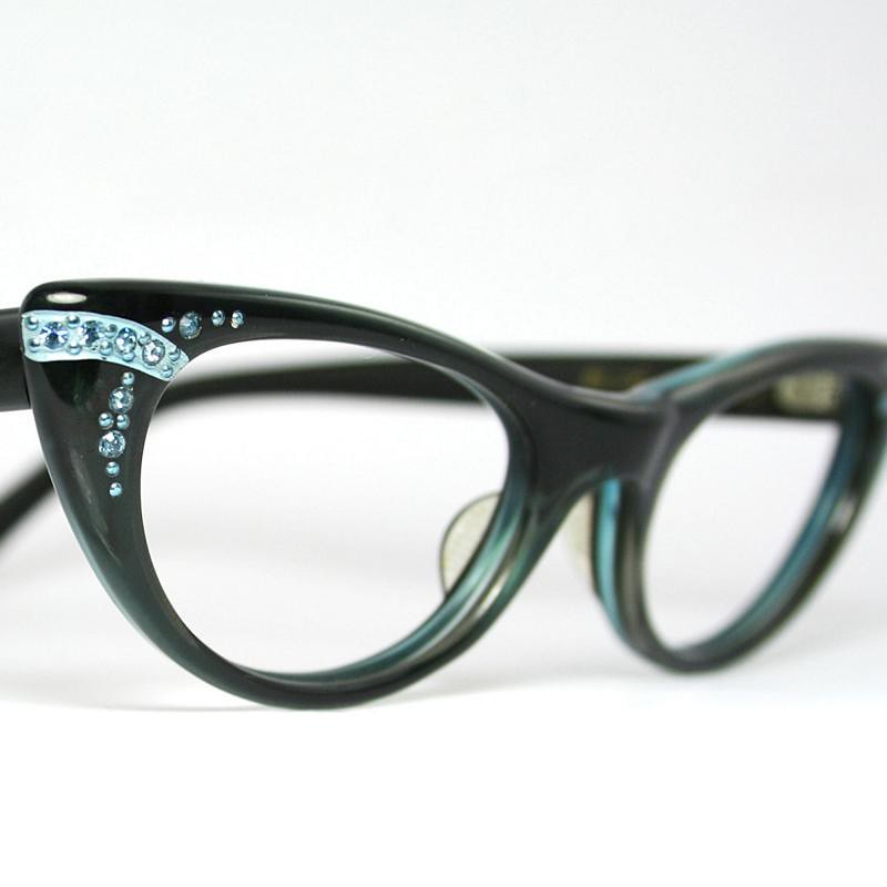 9fcacf5145a Vintage Cat Eye Glasses by Blue