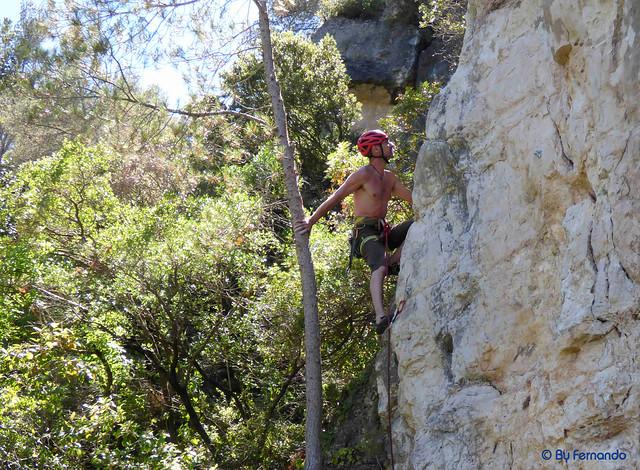Oskar Linares - Hamsel, 6a - 02- El Pla de Manlleu, Sector Vall de l'Infern, Subsector Can Llepaculs (02-07-2017)