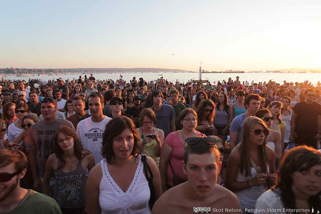 Crowd for Dan Mangan at Shorefest