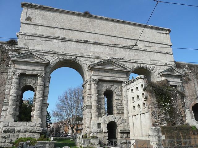 Porta maggiore puerta de la muralla aureliana roma - Rome porta maggiore ...
