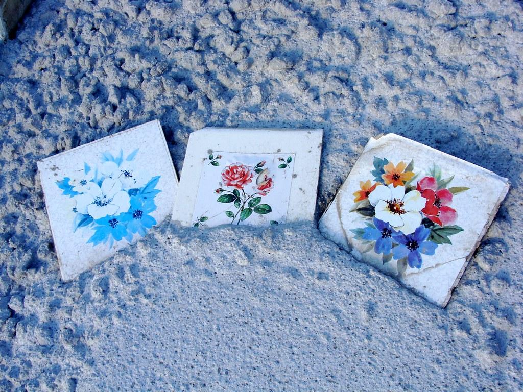 Graves - flowers