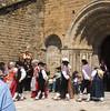 Es balhs seguissen deuant era Glèsia de Sant Andreu de Salardú