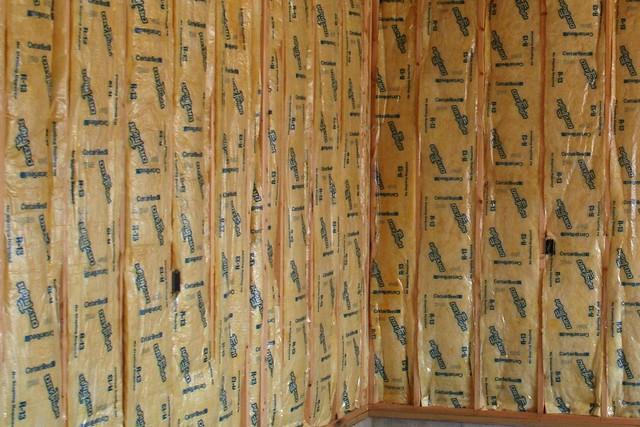 Fiberglass batt insulation 4 flickr photo sharing for 6 fiberglass insulation r value