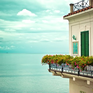 Italy / Amalfi / Summer / Sea / Flowers