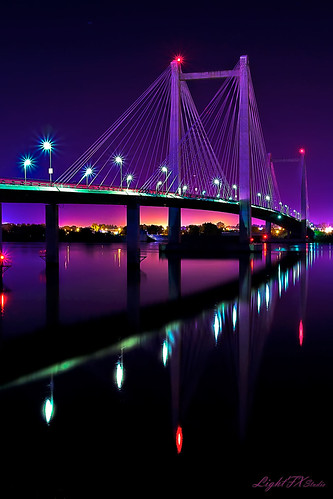 longexposure bridge light shadow reflection night canon landscape washington nightshot noflash columbiariver 7d pacificnorthwest ambient cablebridge illuminate richland kennewick pasco shutterdelay