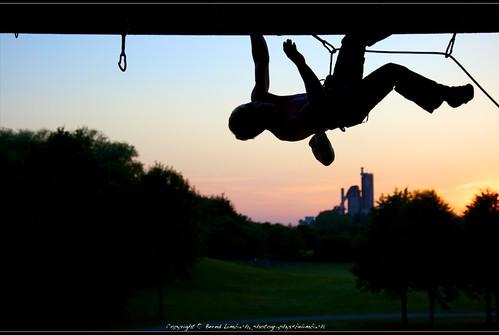 Climbing overhang