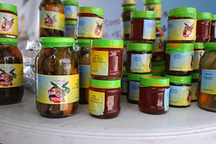 bottle(0.0), tin can(0.0), produce(1.0), food preservation(1.0), food(1.0), canning(1.0),