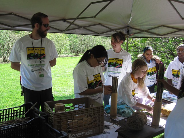 Native Flora Garden curator Uli Lorimer teaches Green Horizon students about good habitats for pollinators.