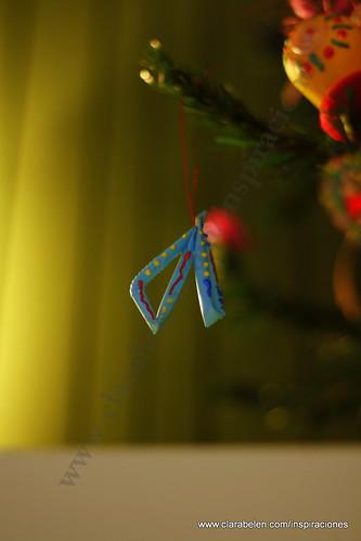 Manualidades navideñas: cómo hacer adornos de Navidad pajitas o canutillos de plástico recicladas