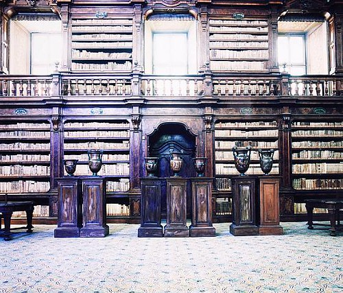 Biblioteca dei Girolamini Napoli IV