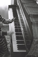 musician, pianist, piano, musical keyboard, keyboard, jazz pianist, monochrome photography, monochrome, black-and-white, black,