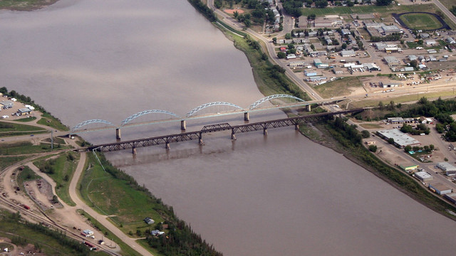 Funding for the Peace River bridge twinning