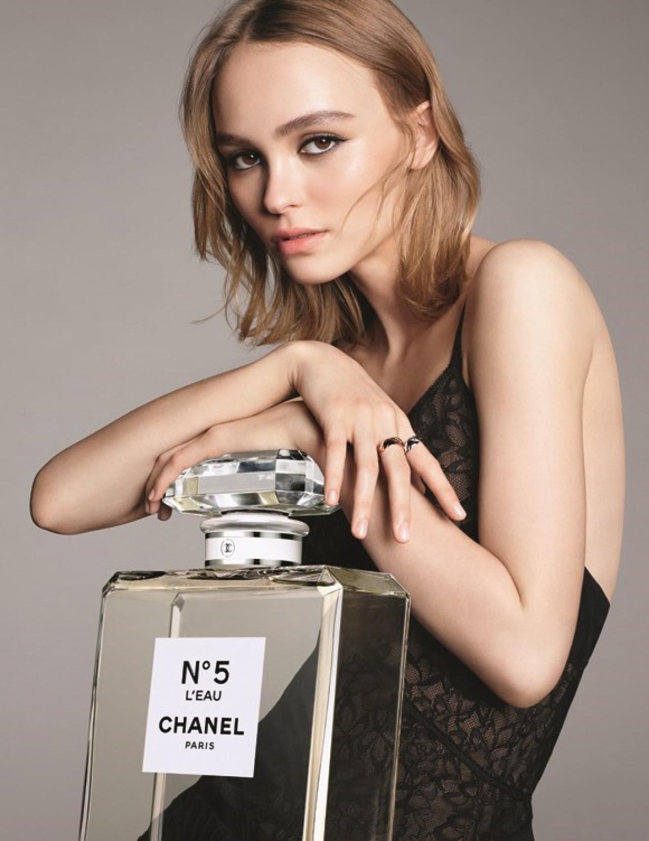 只有十六歲就Chanel合作的Lily-Rose Depp(網上圖片)