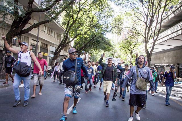 Eles protestam desde a segunda (3) contra a expulsão do hipercentro que o prefeito Alexandre Kalil (PHS) está promovendo - Créditos: Mídia NINJA