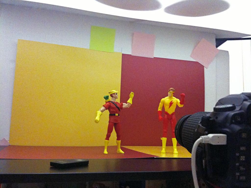 Speedy vs. Kid Flash Setup