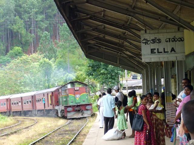 tren-ella-kandy-sri-lanka