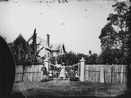 Entrance to old Cumbooqueepa, the residence of Thomas Blacket Stephens, South Brisbane, ca. 1872