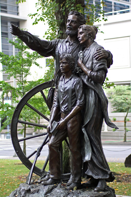 Portland or oregon pioneer statue downtown portland for Garden statues portland oregon