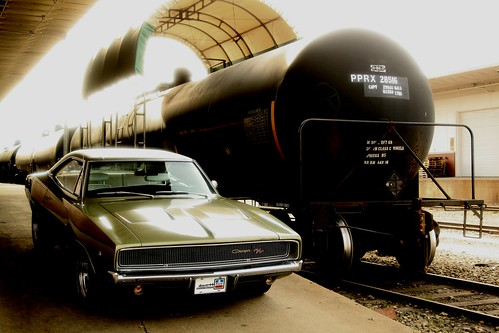 1968 Dodge Charger R/T & Tank Car
