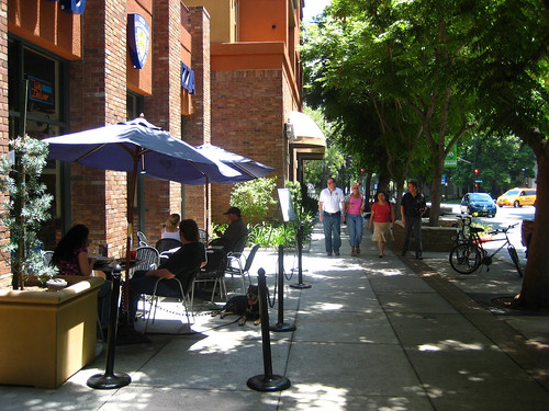 walkable commercial district, Burbank, CA (by: Citta-Vita, creative commons license)