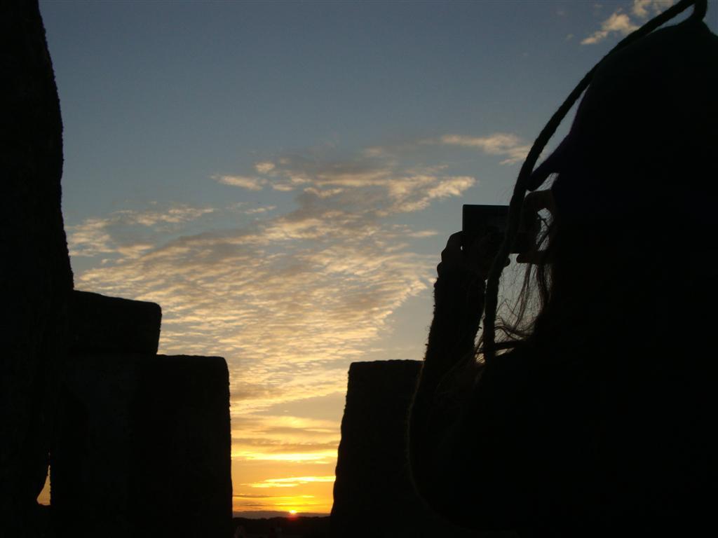 La gente disfrutando del sunset del día más largo del año Stonehenge - 5065767030 44d79000a6 o - Stonehenge, el mágico día del Solsticio