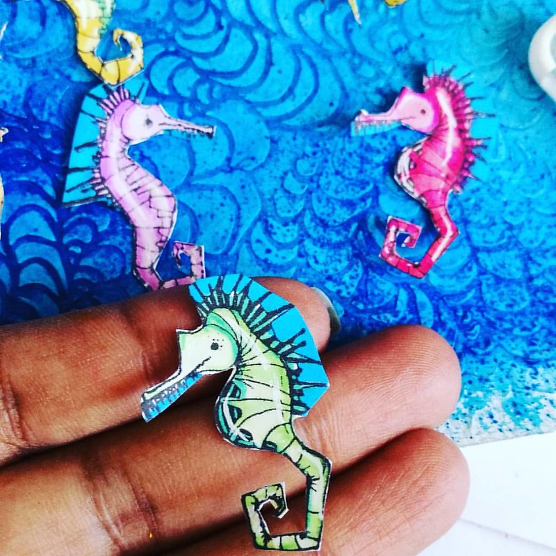 Look at these cute little seahorses! The mini sea life cube is one of the July new releases from #stampotiqueoriginals @stampotiquedesignteam #sealife #seahorses #rubberstamp #woodmountedstamps #SODT #mixedmedia