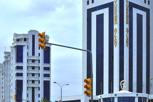 ashgabat turkmenistan trafficlights tm