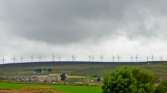 Ovenden Wind Farm, from Keelham