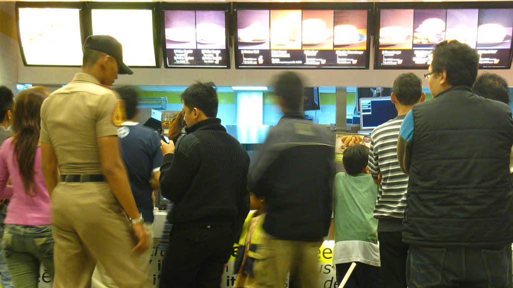 Queue for Fast Food