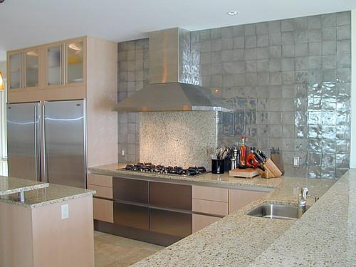 Mijn virtueel huis: Glanzende keukentegels