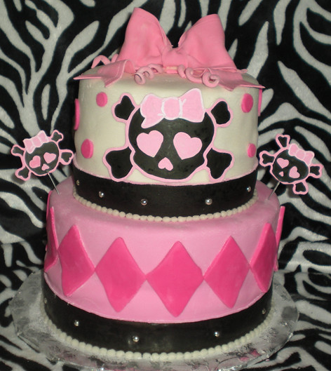 Girly Skull Cakes http://www.flickr.com/photos/14369491@N03/4983397509/