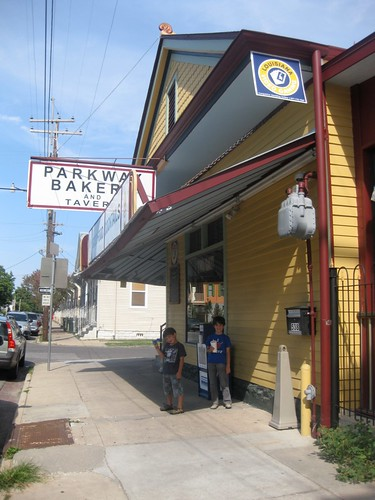 Dining with monkeys parkway bakery tavern new orleans for Parkway new orleans