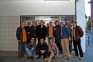 Der letzte Tag des Kunstraums trudi.sozial. Alle Gäste versammelt. September 2010