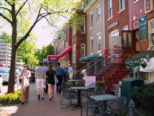 trends favor walkable neighborhoods (Washington, DC by: Dewita Soeharjono, creative commons license)