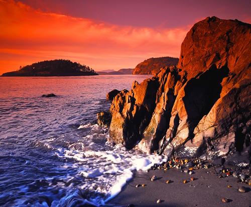 sunset sea water rock island washington northwest shoreline pacificnorthwest whidbey