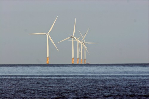 Wind turbines/generators at sea - FranceHouseHunt.com