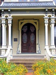 4 Heck-Andrews House Entrance