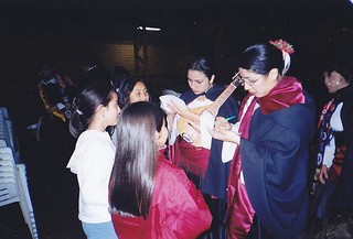 Firmando autógrafos en San Rosendo