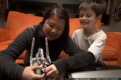 darika and nick play with star wars lego