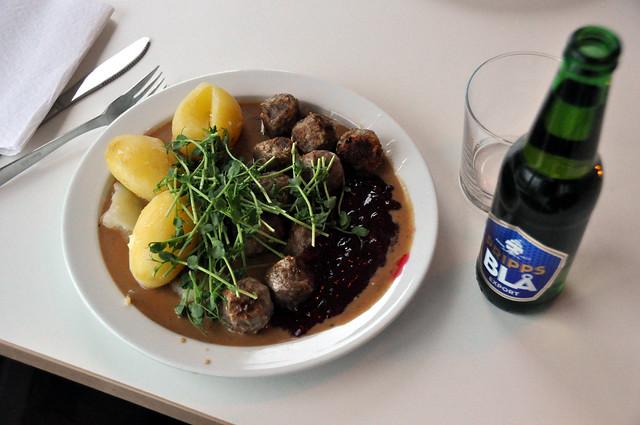 Köttbullar (Swedish meatballs) by CC user cyclonebill on Flickr