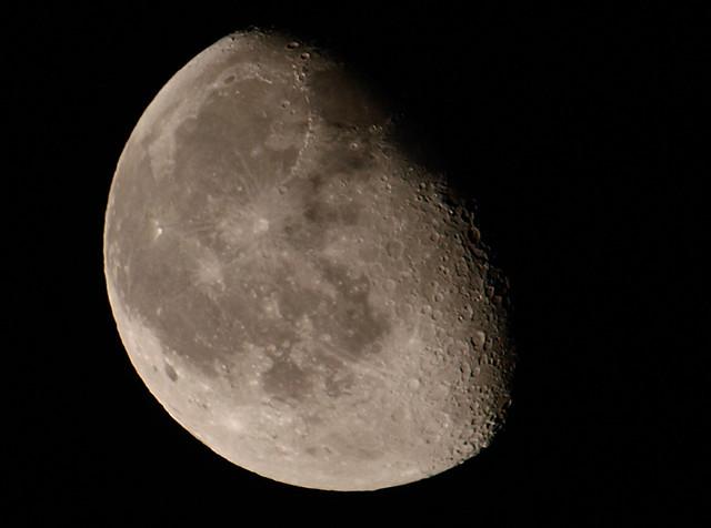 luna en cuarto menguante  Explore javier iradi's photos ...