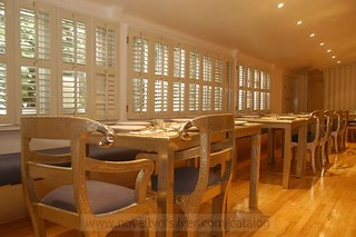 Silver Emboss Restaurant Table with Regency Chairs